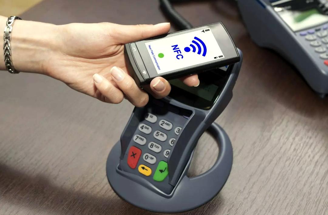 смартфон с чипом NFC