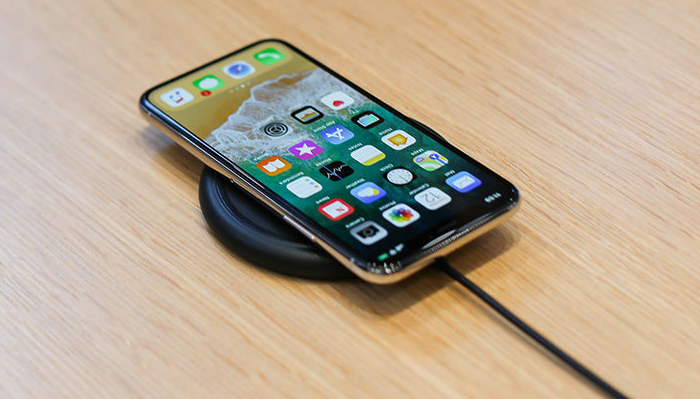 iPhone X емкая батарея